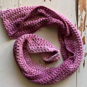 Made by Mosaic :: pink Ombré infinity knit scarf